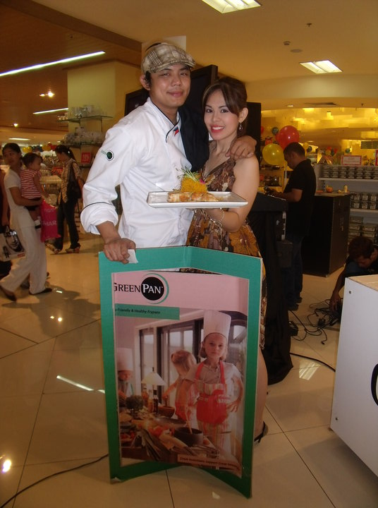 GREENPAN IN TRINOMA - CHEF NINO LAUS