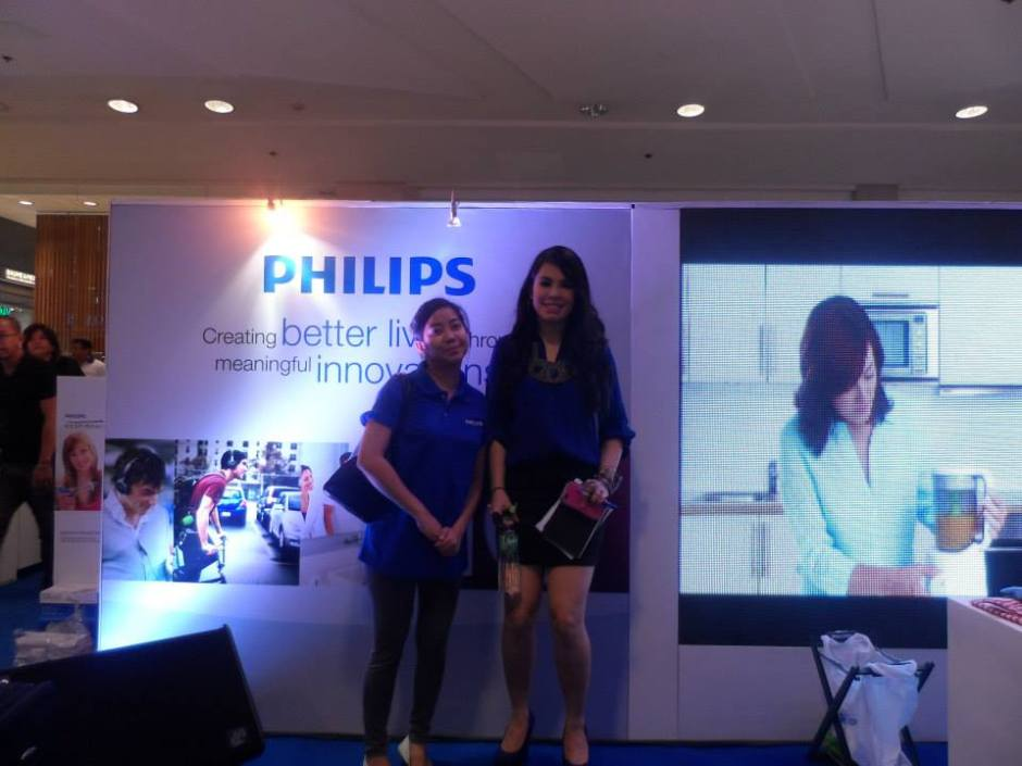 MARYLAINE VIERNES PHILIPS MALL SHOWS