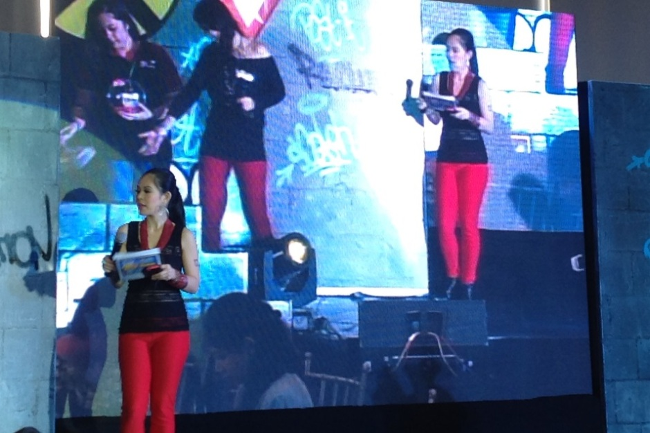 Marylaine Viernes hosts the 3M Product Revolution Event
