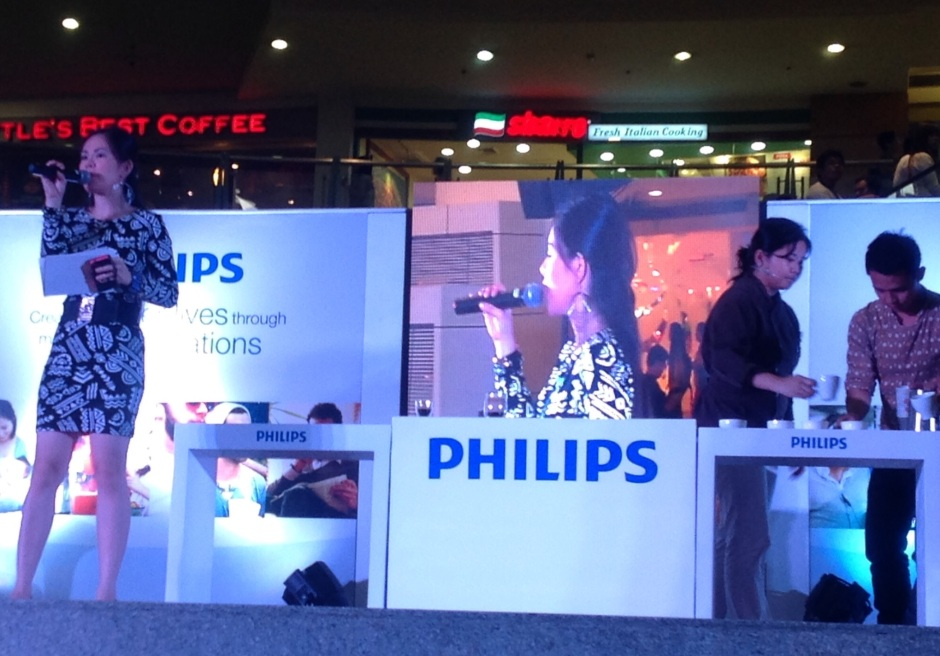 MARYLAINE VIERNES FOR PHILIPS MALL SHOWS