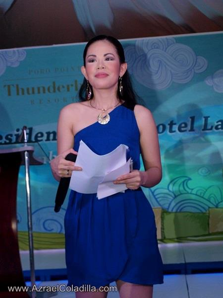 PP MARYLAINE VIERNES HOSTS FOR THUNDERBIRD