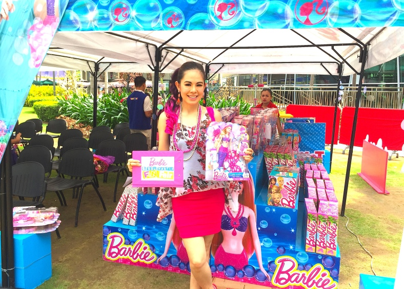 BARBIE BUBBLETASTIC EVENT HOST MARYLAINE VIERNES