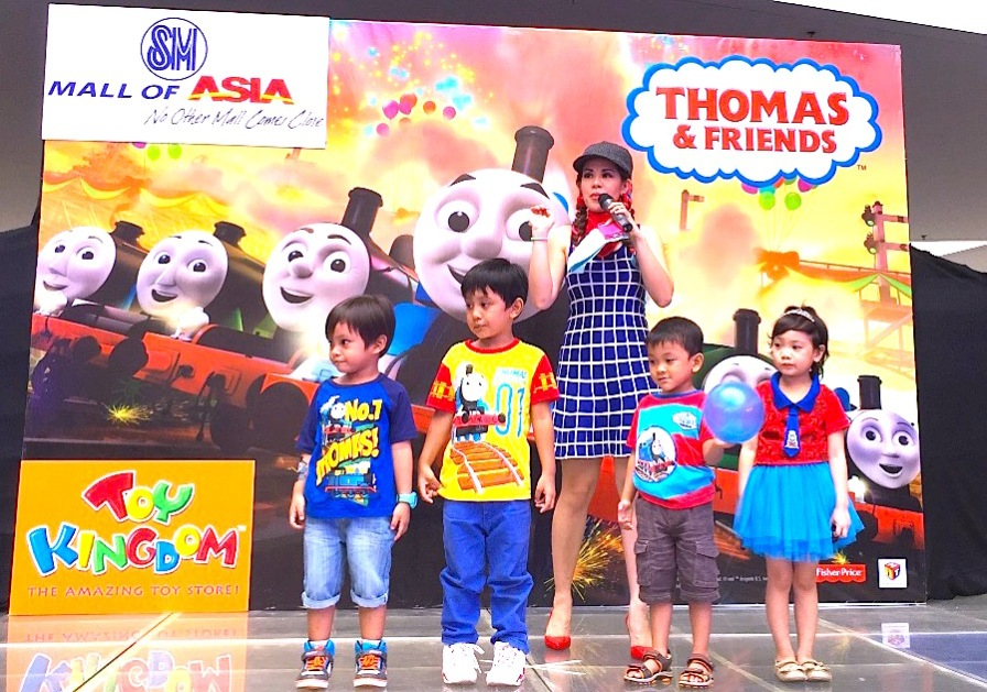 MARY VIERNES HOSTS THOMAS THE TRAIN EVENT