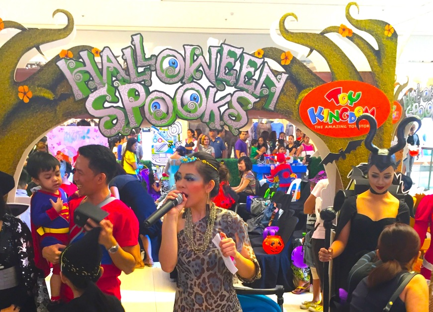 MARYLAINE VIERNES HALLOWEEN Spooks Party Emcee